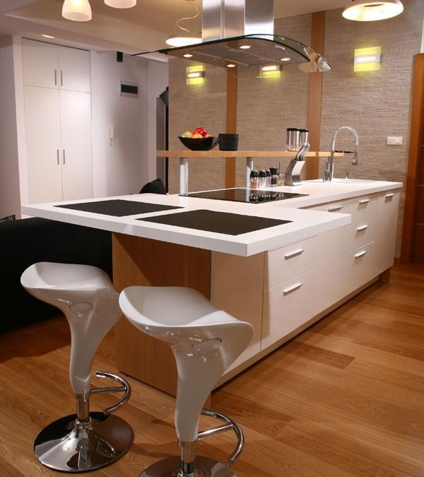 Desain kitchen set apartemen bentuk island for Kitchen set warna putih
