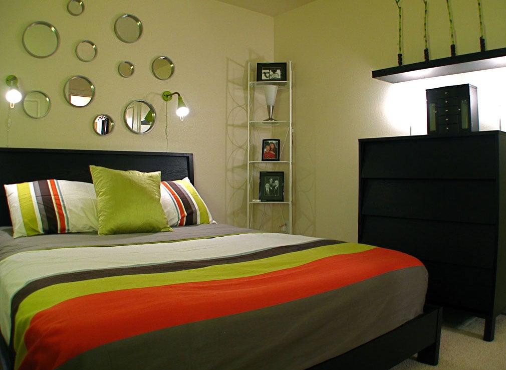Membuat tempat tidur dengan Warna Lembut
