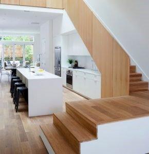 interior dapur bawah tangga