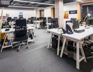 interior ruang kantor milenial